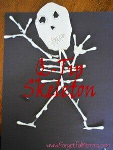 Q-Tip Skeletons for Halloween