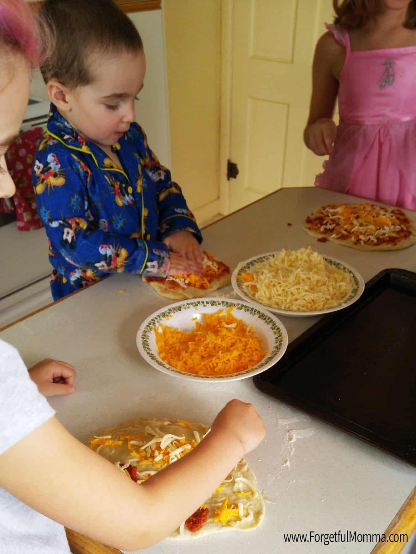 Kids Pizzeria in my Kitchen